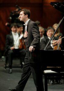 Pianist Kenneth Broberg